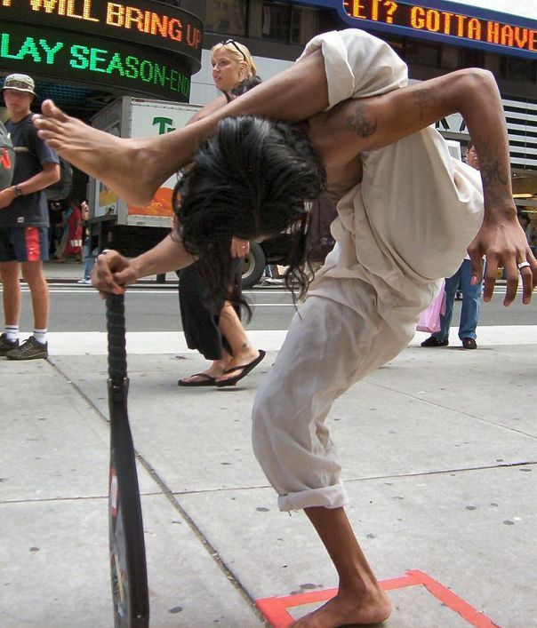 768px-contortionist_ravi_standing