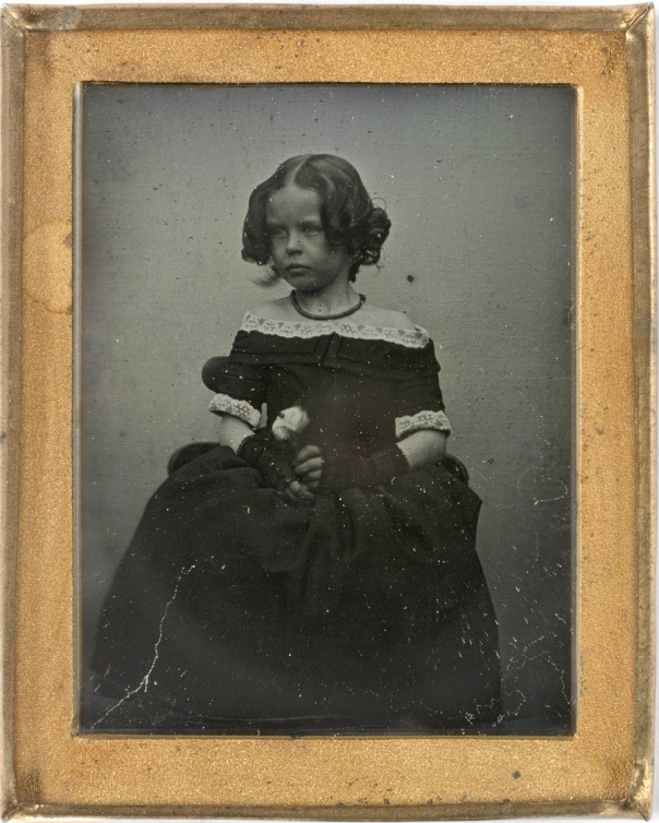 Sarah_Ann_Lawson,_May_1845_-_photographed_by_George_Goodman_(2761305139)